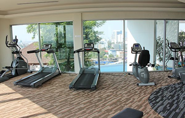 Sky-Walk-Condominium-Bangkok-condo-for-sale-fitness-2