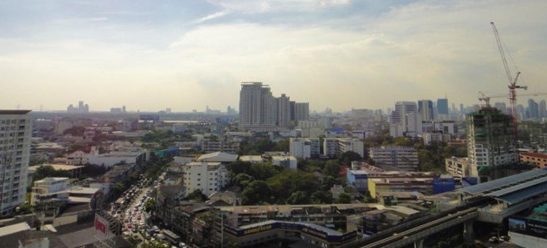 Skywalk-Bangkok-condo-1br-study-1jpg